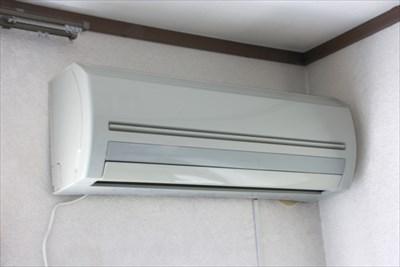 エアコンを自分で取付・取外しをすることは難しい